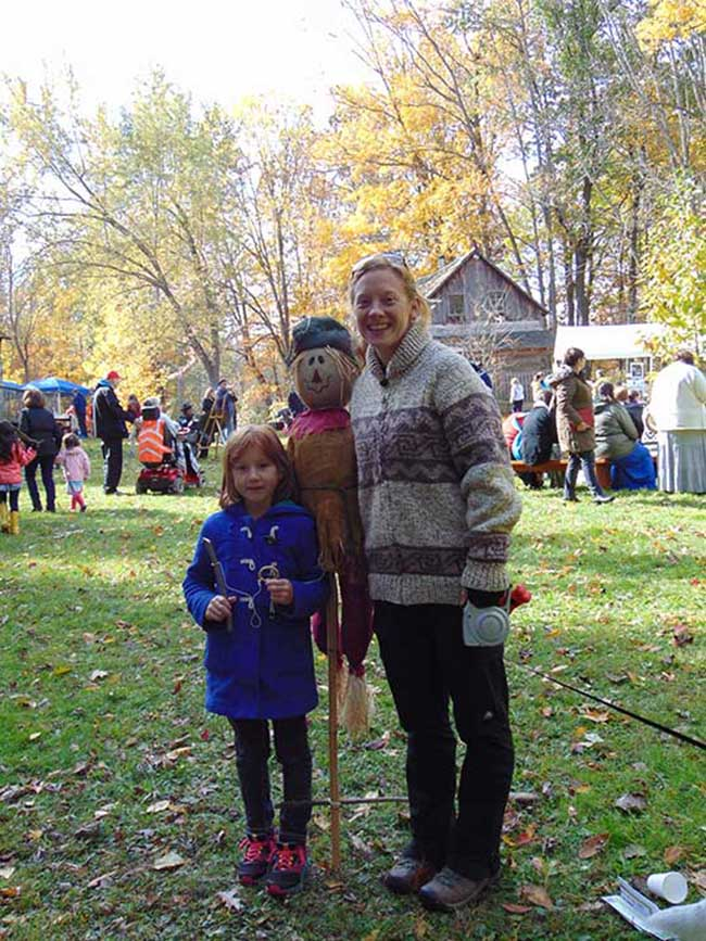 little girl and mom at Taste of Fall Event