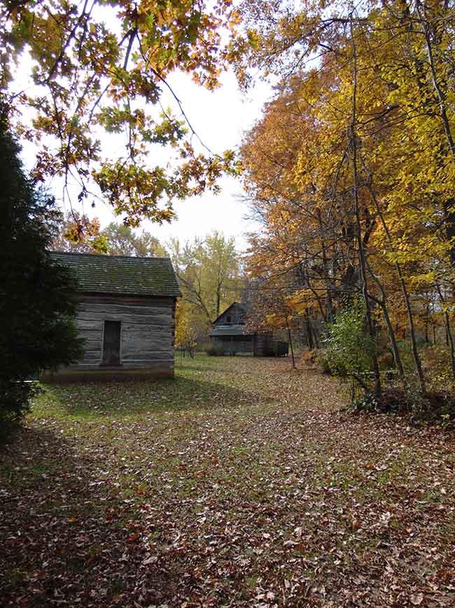 Longdo Trail cabins
