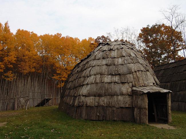 Longdo Trail SND longhouse